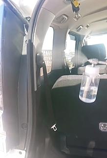 無光触媒コートより、車内の消臭、有害物質の分解、抗菌などさまざまな効果をもたらします。深呼吸したくなる、爽やかな車内空間を提供します。